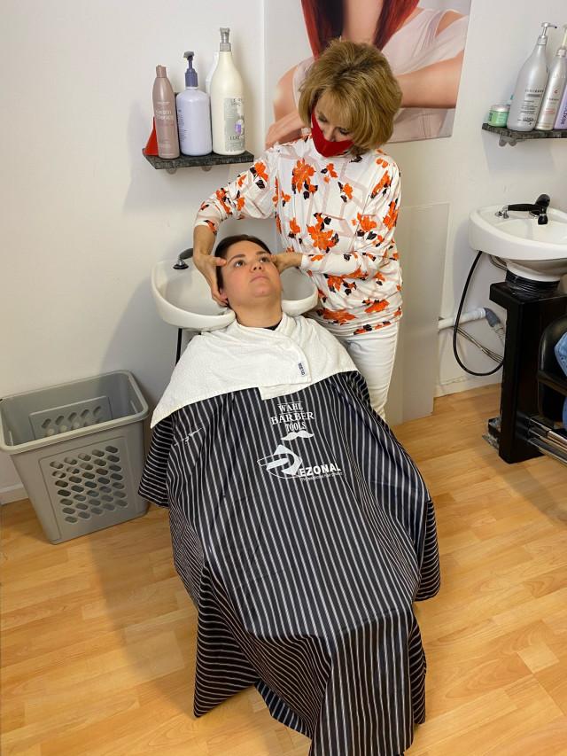 Hovedbunds- massage og hår kur.