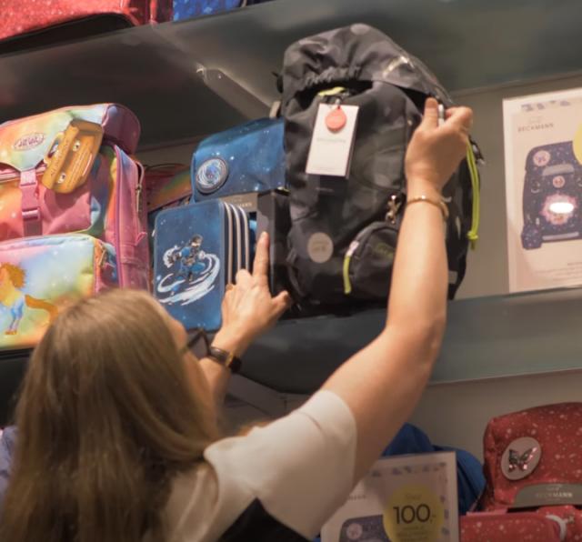 Den rette skoletaske er vigtig for barnets ryg